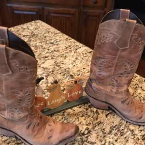 🌟 Mexican-Made Leather Detailed Cowboy Boots